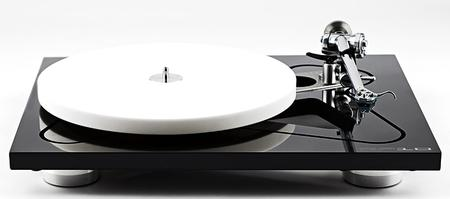 Rega P-10 Aphellon Turntable Image